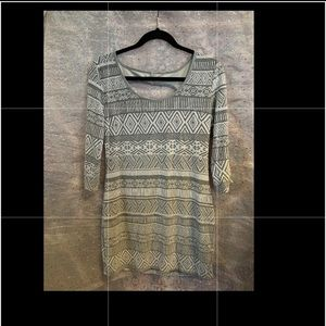 Fitted tribal print dress! Gently worn!
